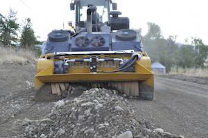 Unlike mobile rock crushers which are stationary when operating, linear crushers move along the road being repaired, crushing oversize rock along it in a crushing chamber.